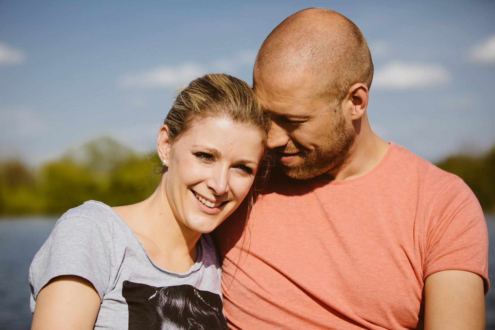 Karo und Stefan Engagement Foto Avec Amis-39