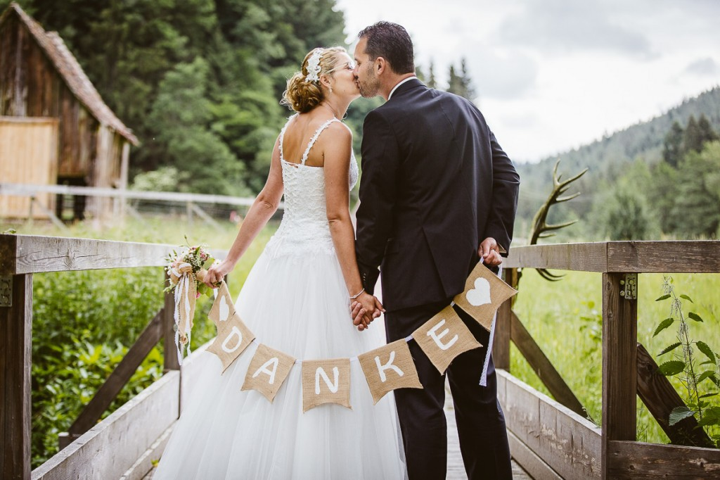 Melli-und-Andy-Hochzeitsreportage-Farbe-web-Foto-Avec-Amis-214