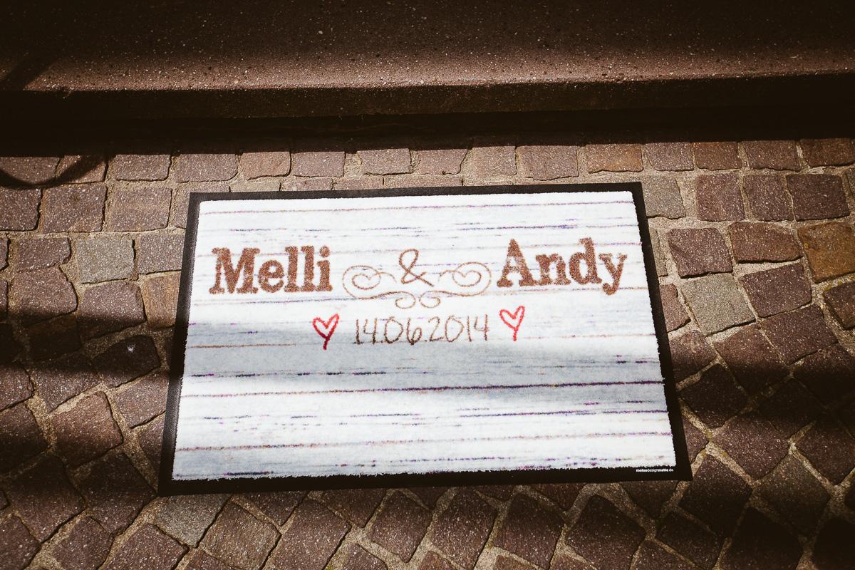 Melli-und-Andy-Hochzeitsreportage-Farbe-web-Foto-Avec-Amis-256