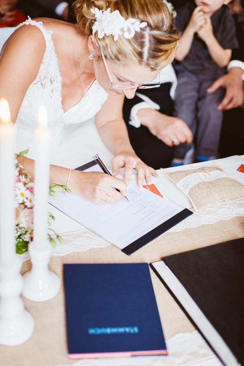 Melli-und-Andy-Hochzeitsreportage-Farbe-web-Foto-Avec-Amis-330