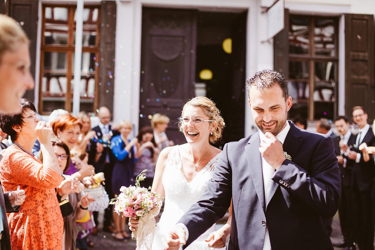 Melli-und-Andy-Hochzeitsreportage-Farbe-web-Foto-Avec-Amis-359