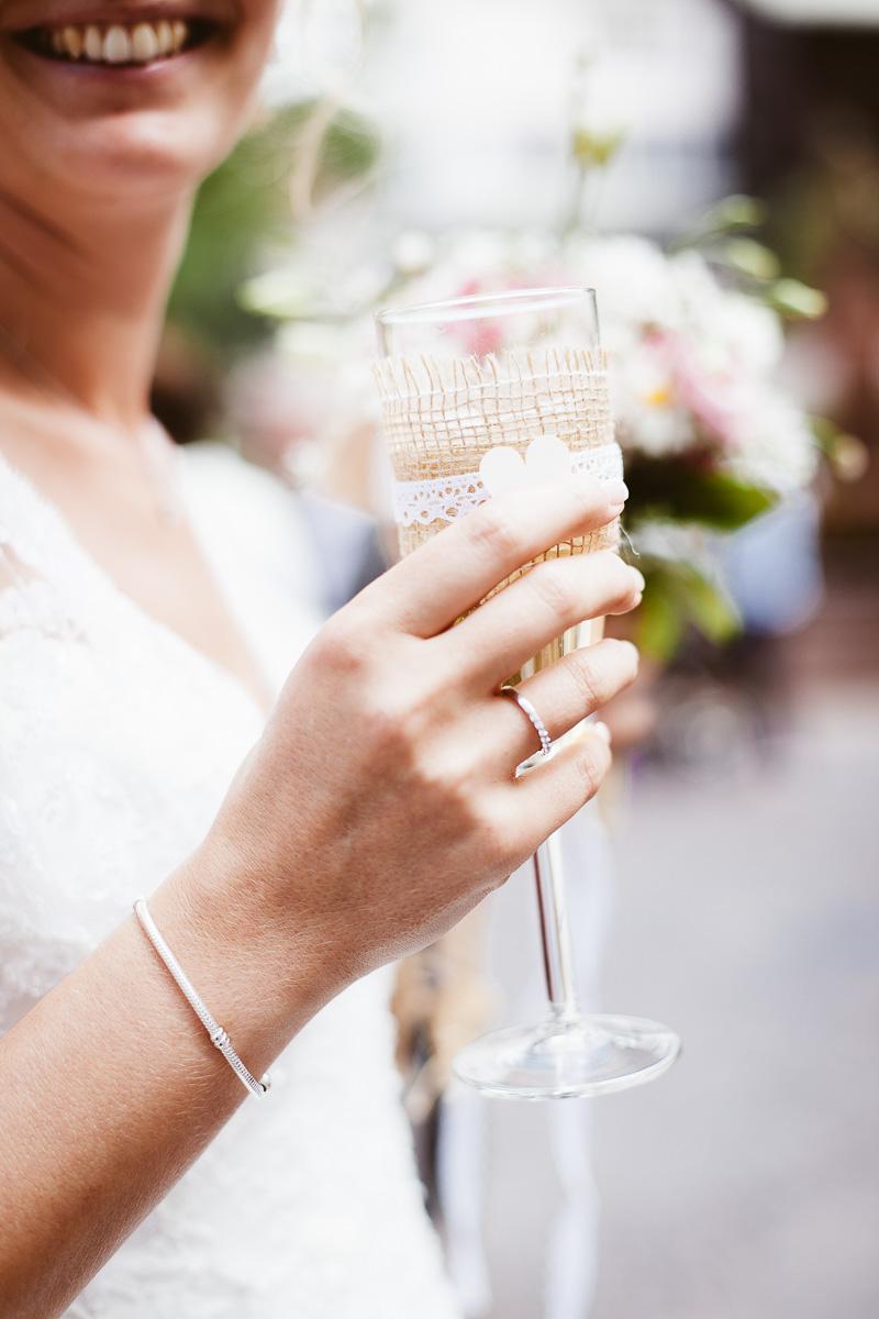 Melli-und-Andy-Hochzeitsreportage-Farbe-web-Foto-Avec-Amis-405