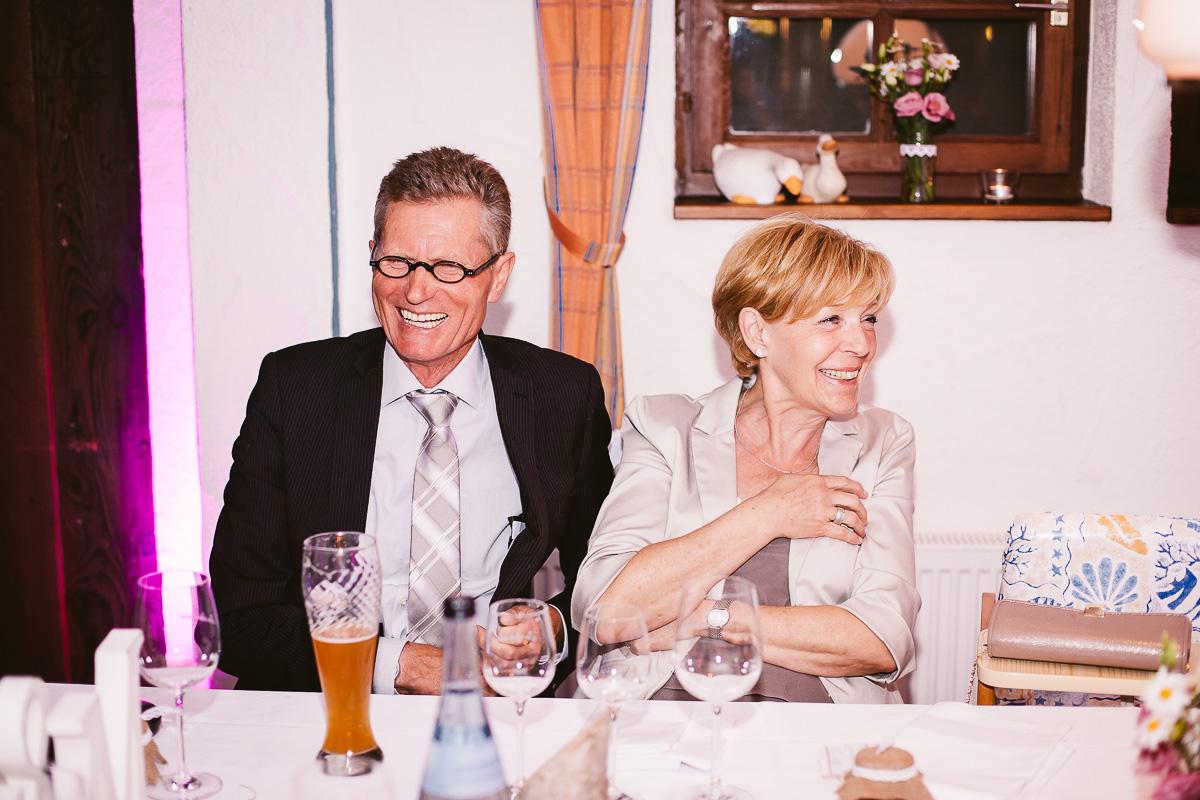Melli-und-Andy-Hochzeitsreportage-Farbe-web-Foto-Avec-Amis-653