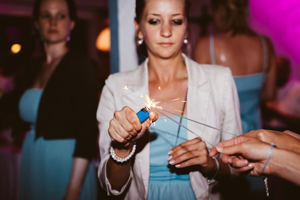 Melli-und-Andy-Hochzeitsreportage-Farbe-web-Foto-Avec-Amis-687