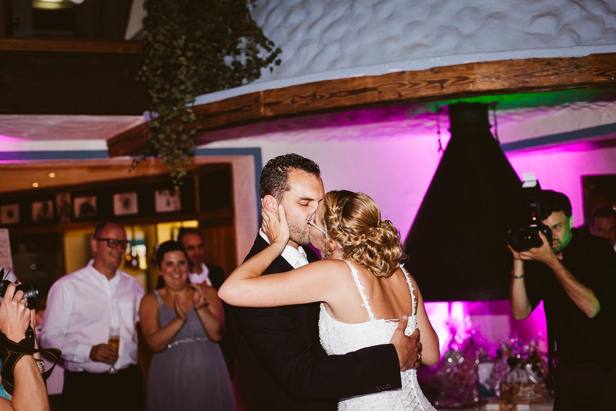 Melli-und-Andy-Hochzeitsreportage-Farbe-web-Foto-Avec-Amis-691