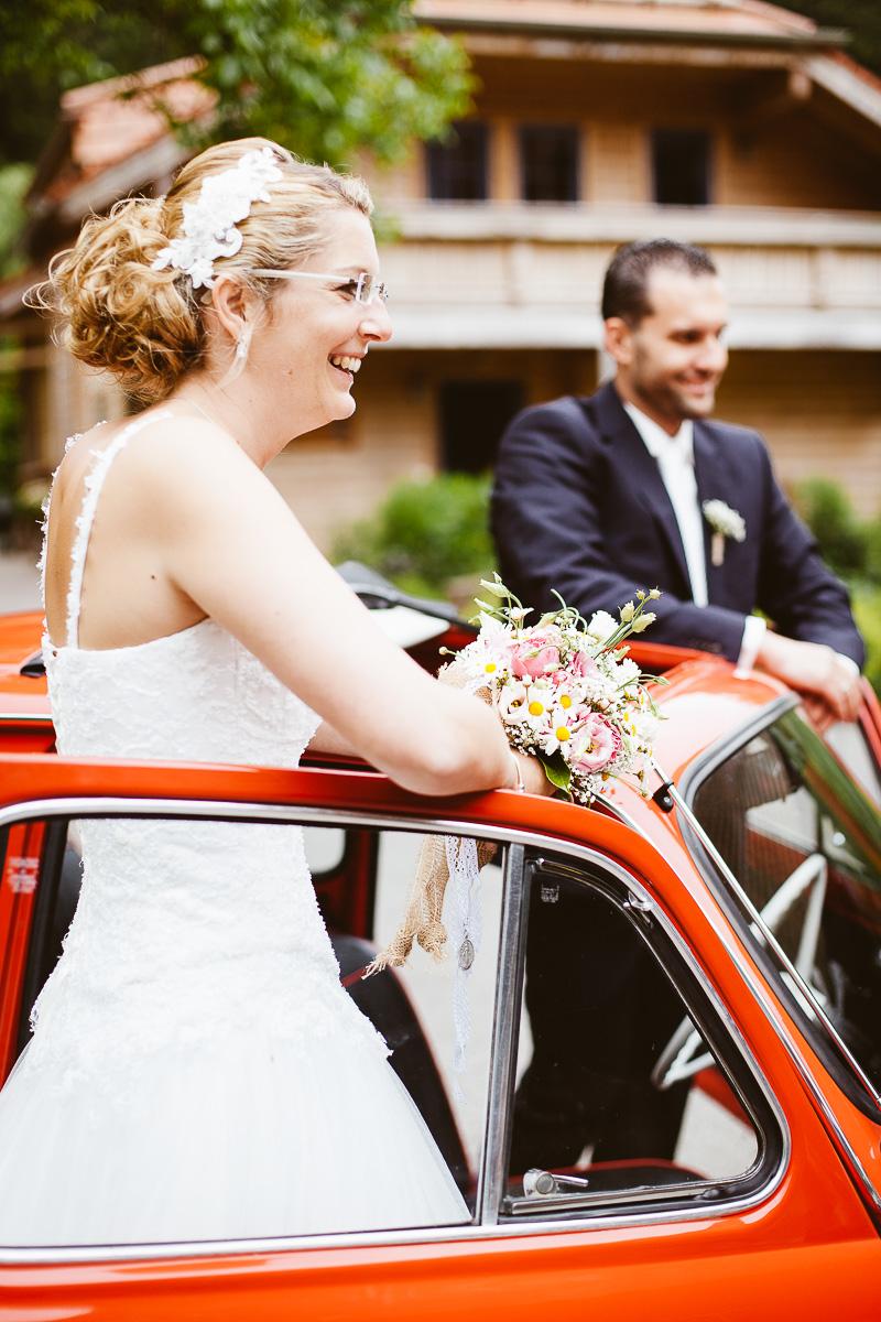 Melli-und-Andy-Hochzeitsreportage-Farbe-web-Foto-Avec-Amis-244