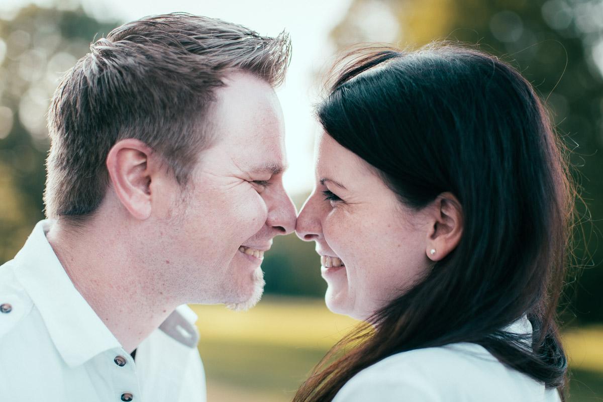 Katrin-und-Sebastian-Engagement-Foto-Avec-Amis-Photography