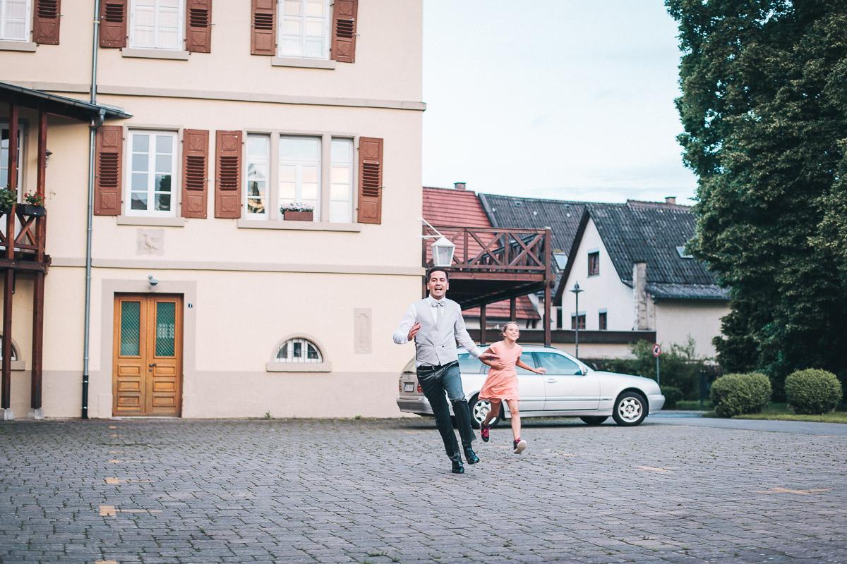 Friederike-Michael-und-Thore-Farbe-Web-Avec-Amis-Photography-Stuttgart-440